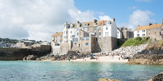 Possibly the best located apartment in St Ives..?